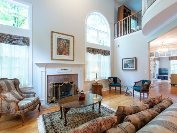 Gorgeous Townhouse For Sale   FAR HILLS!