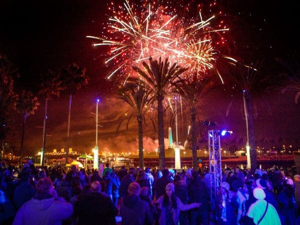 new years eve at waterfront music fireworks 2018 long beach