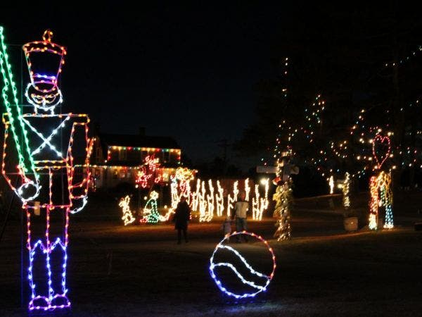 Nov 29 | Theme Park Open featuring Christmas Festival of Lights ...