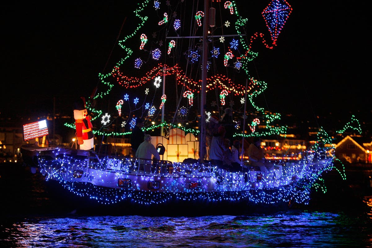 Naples Long Beach Christmas Lights 2018.Dec 8 Annual Holiday Boat Parade 2018 Naples Island Long