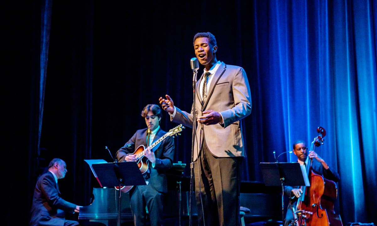 Nat King Cole Christmas.Nov 30 An Unforgettable Nat King Cole Christmas