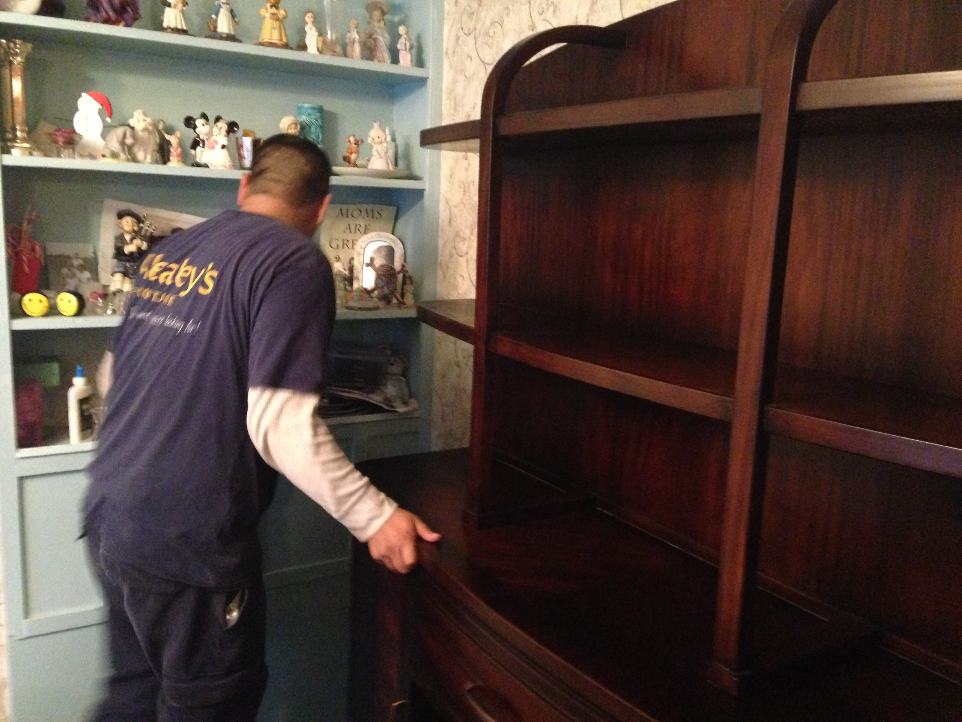 Warminster Mealey S Donates 10 000 Of New Furniture To Feasterville