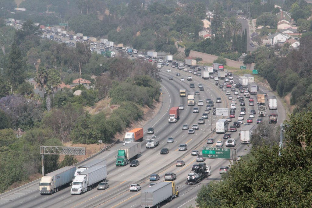 UPDATE] 60 Freeway Reopened After Shooting Investigation