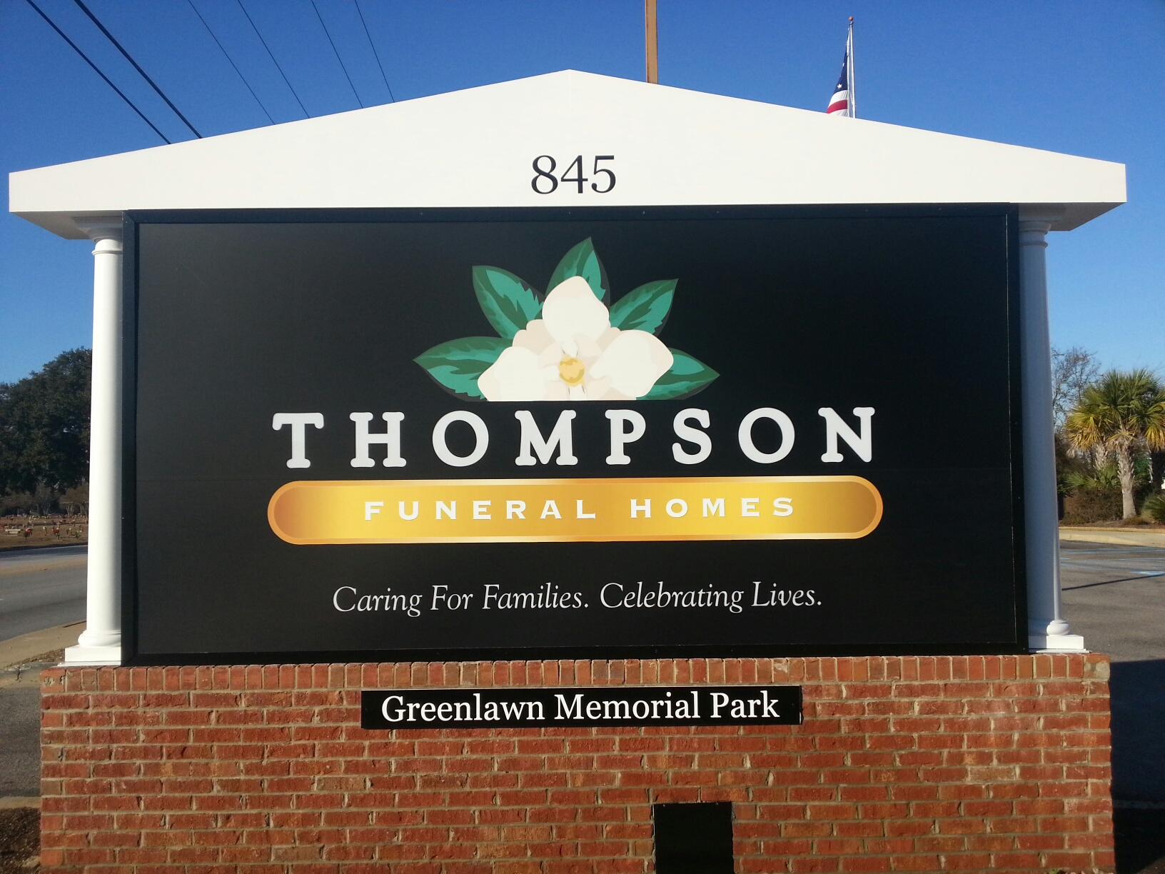 Thompson Funeral Home At Greenlawn Memorial Park Puts Up New Signage Columbia Sc Patch