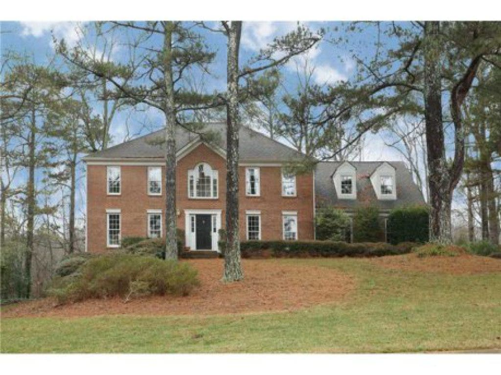 House Hunt: Homes with In-Law Suites and Apartments | East Cobb, GA