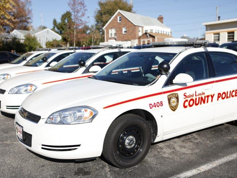 Crime Report Four Cars Broken Into At Orlando Gardens Mehlville