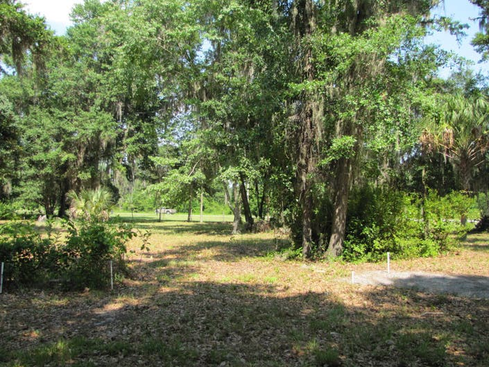 Land O Lakes Cemetery To Get A Little Tlc Land O Lakes