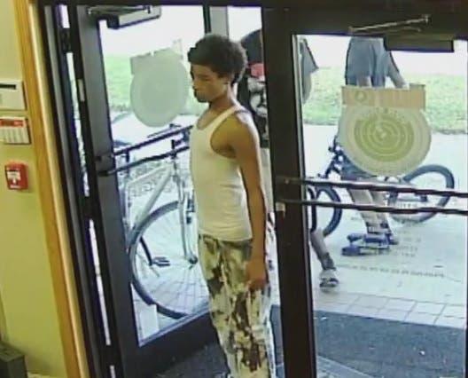 Bullet Hole Break In Suspects Caught On Video Sarasota