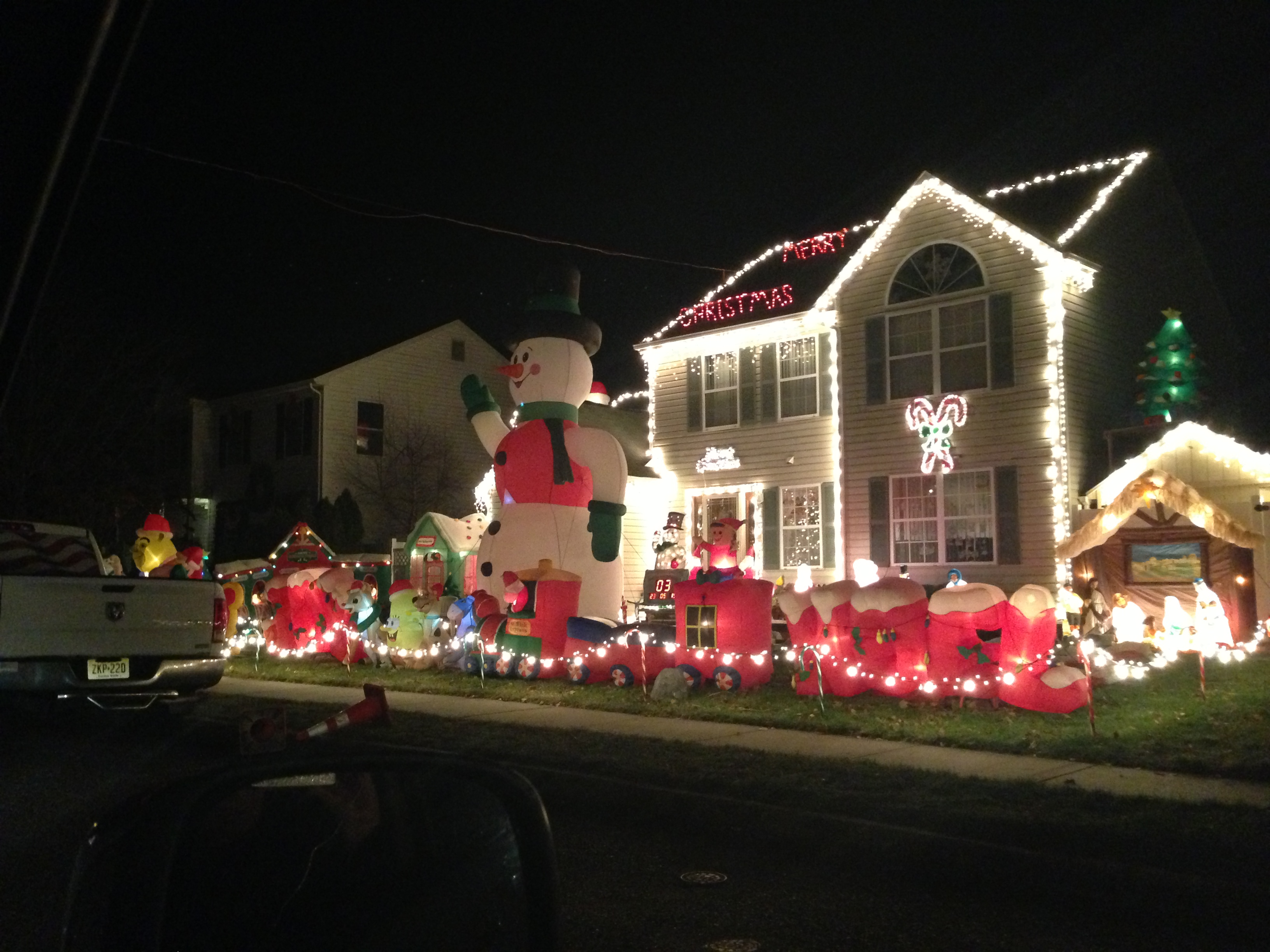 Great Holiday Displays Around Manasquan