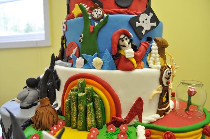 TLC's'Cake Boss' Dubs Cake Gypsy Contest Winner   Avon, CT ...