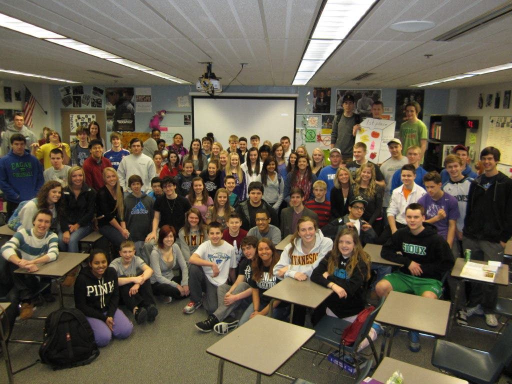 Eagan High School Students Collect Thousands of Food Items
