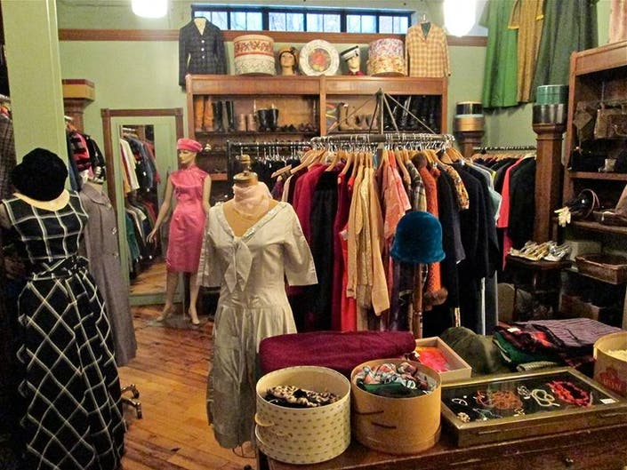 Vintage Clothing Stores mtrA