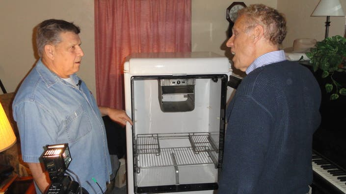 Look Baldwin Man Has State S Oldest Fridge Baldwin Pa
