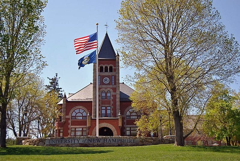 University Of Nh >> Wilmington Residents Graduate From University Of New