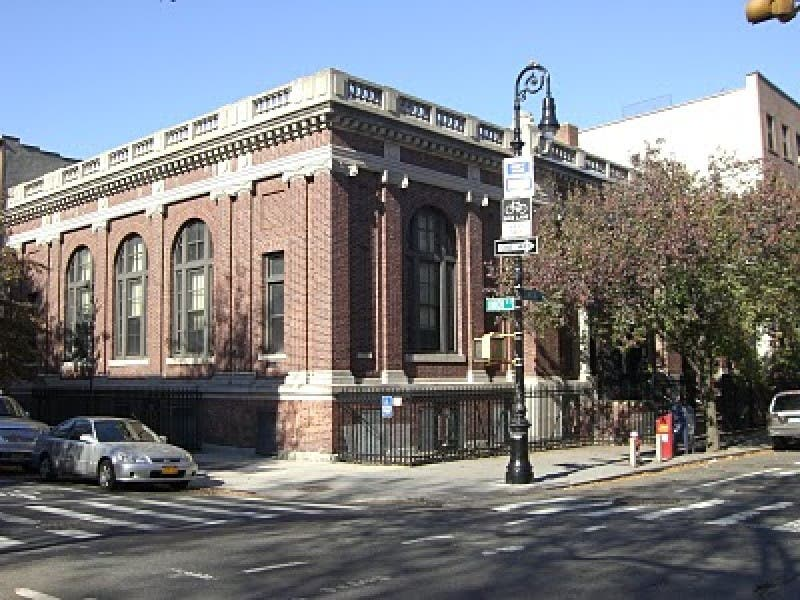 Carroll Gardens Library Low On Books
