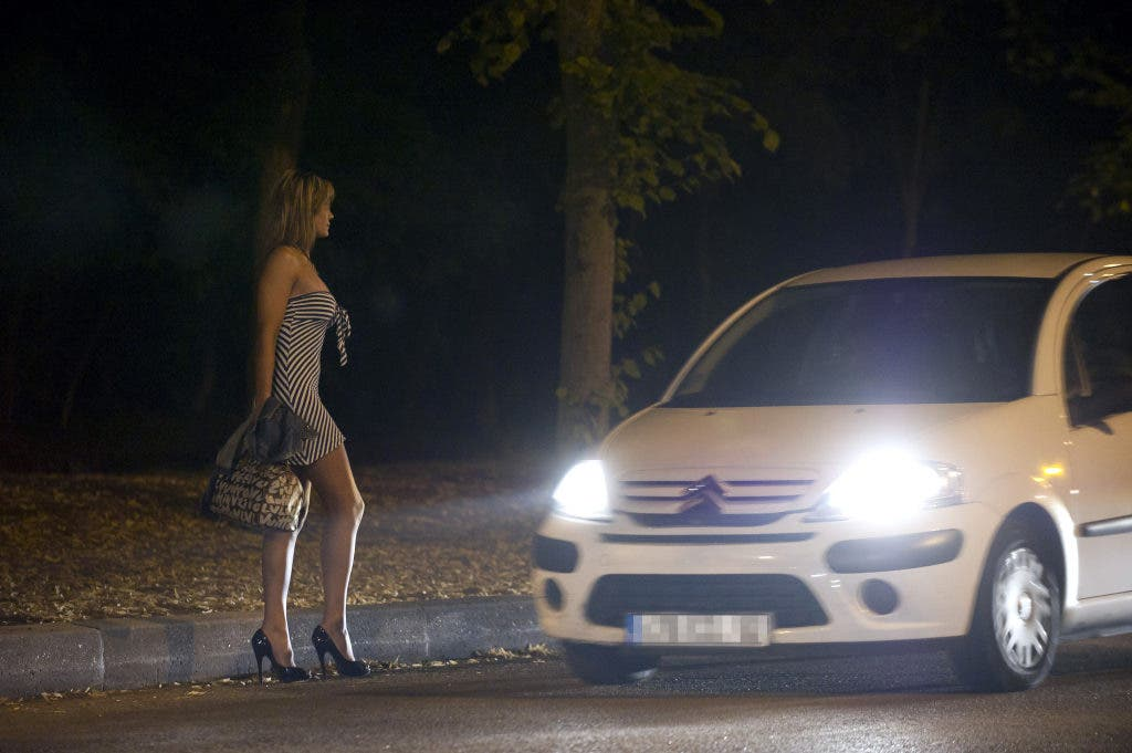 Scanner Report: LAPD Observes Prostitutes Using Twitter to