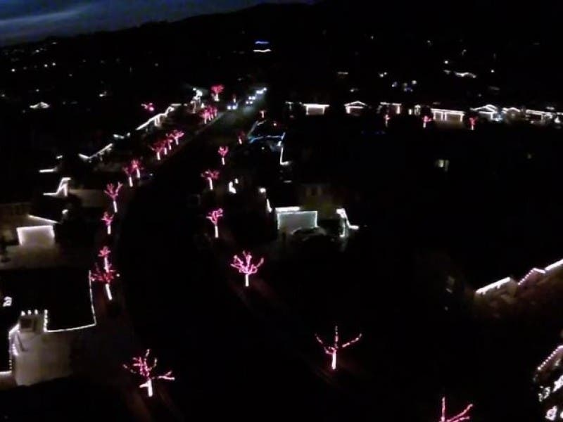 this socal neighborhood christmas lights show puts all others to shame