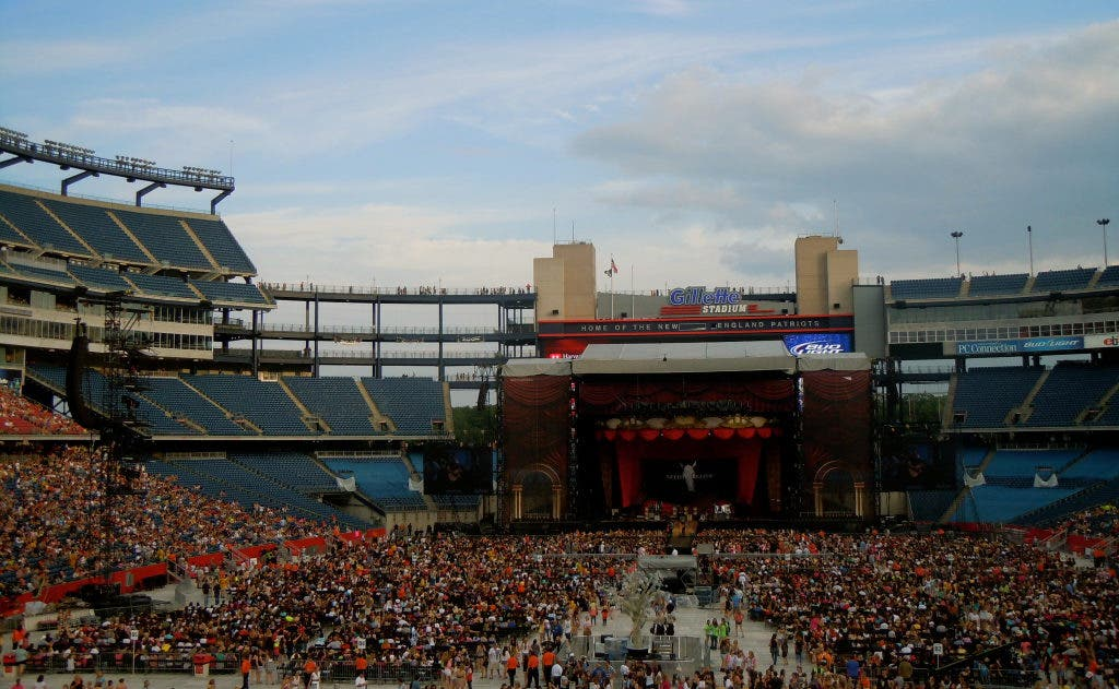 Law Enforcement Kept Busy On Taylor Swift Concert Nights At Gillette Stadium Foxborough Ma Patch