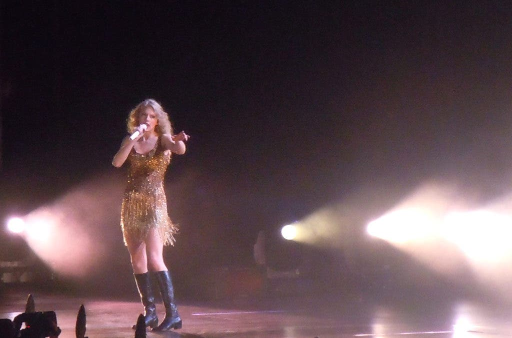 Taylor Swift Shines During Speak Now Tour At Gillette Stadium Foxborough Ma Patch