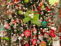 secrets of a professional christmas tree decorator 3