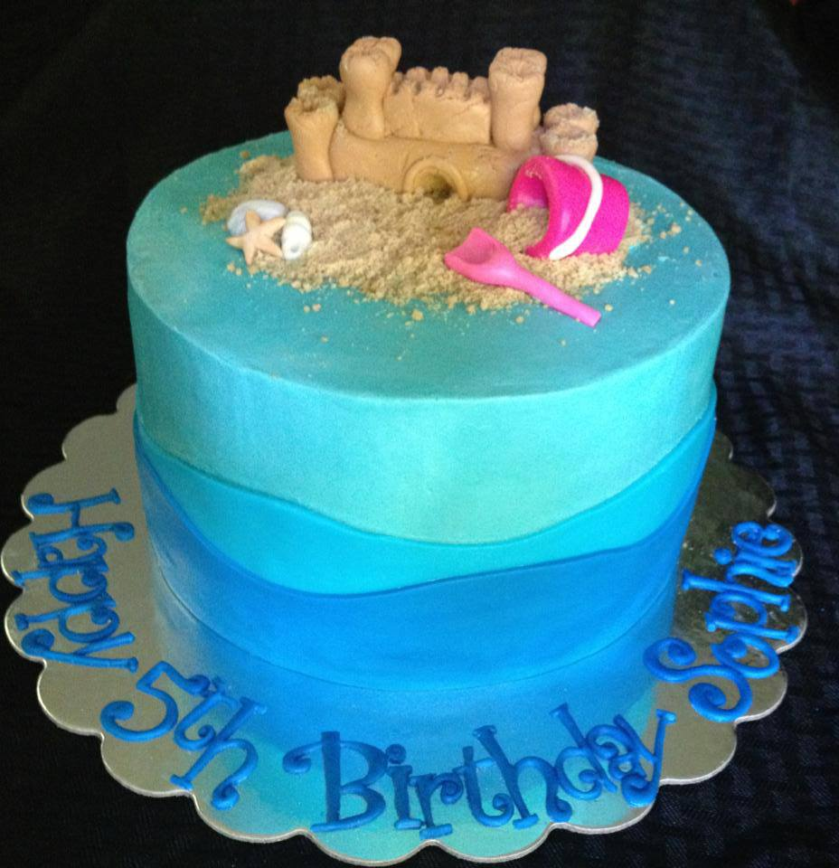 Wayland Mom Dreams Up Creative Cakes by Moonlight | Wayland, MA Patch