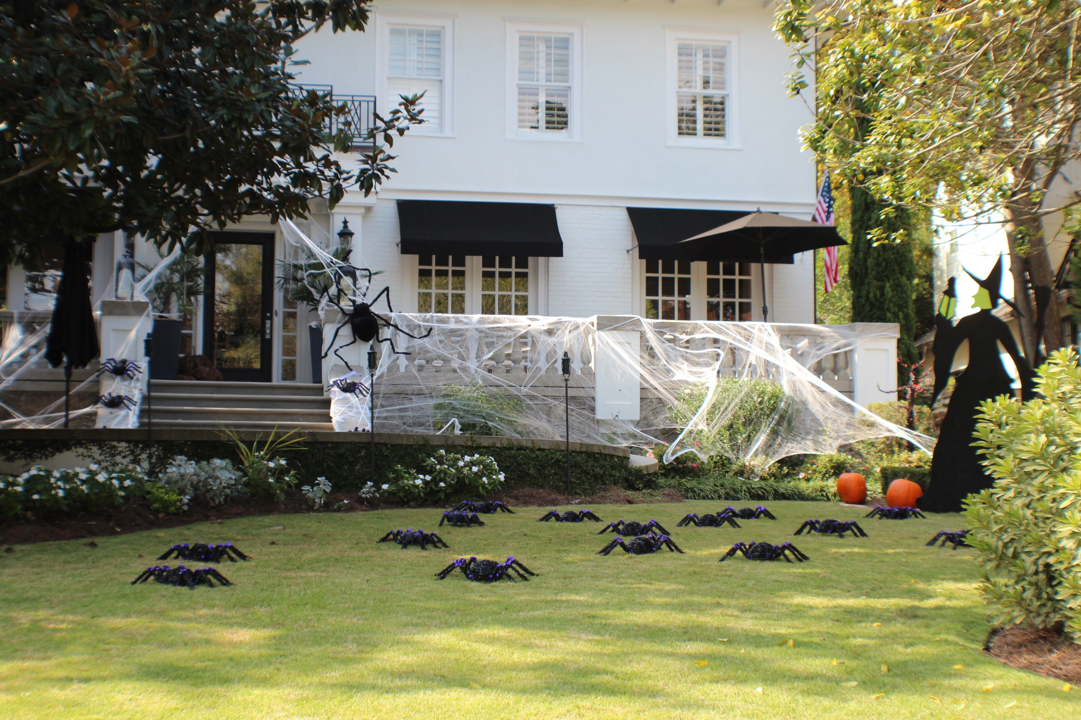 Halloween Yard.Photos Of Some Of Midtown S Best Halloween Yard Displays Happy