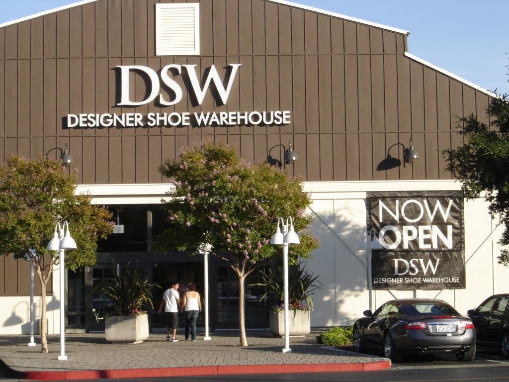 DSW Grand Opening Today at Vintage Oaks