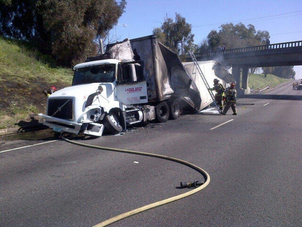 Big Rig Accident Northbound On Highway 99 Stalls Traffic Elk Grove