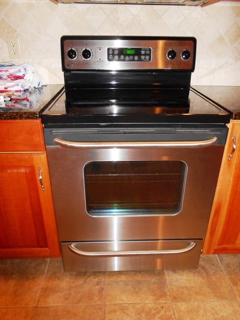 Ge Stainless Steel Electric Range Stove