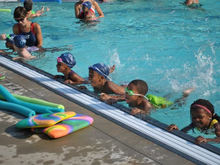 Roeper Receives USA Swimming Grant For Make-A-Splash Program