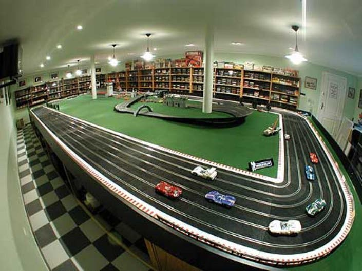 Slot Car Racing in New Jersey.The NJ Metro Slot Cars Club racing season starts in September, and ends in June.On each date below two races will be held.First race will be part of an ongoing series, with points awarded leading to end of season awards.Cars in the series race will either have.