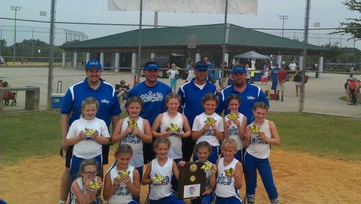 Girls Travel Softball Team Seeks Players | Land O' Lakes, FL