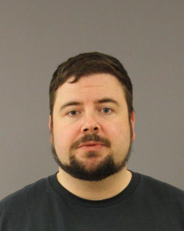 Tiverton Police Arrest Alleged Drunken Driver Carrying Gun