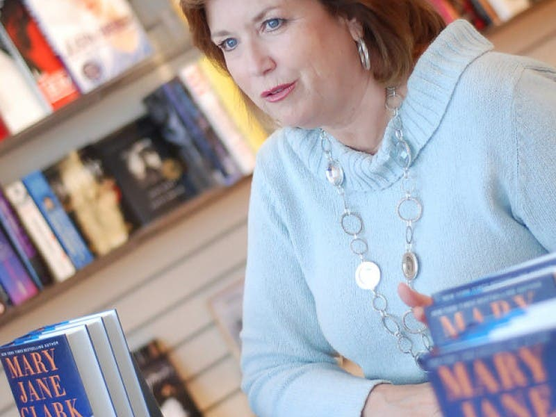 Best Selling Hillsdale Author Mary Jane Clark Signing New Book
