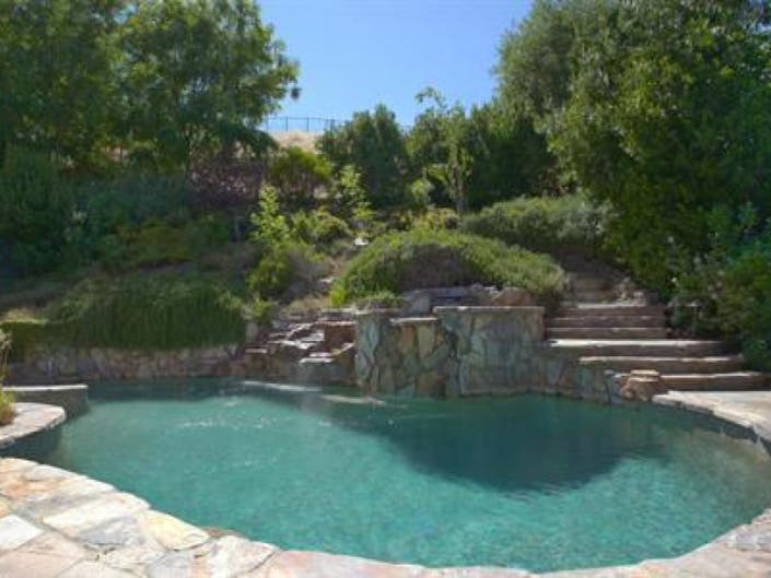 Do Swimming Pools Add Value To Your Home