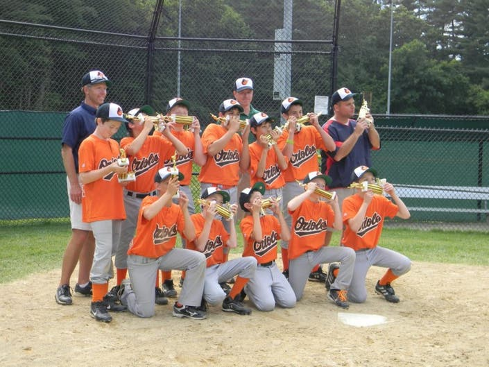 05ff36b6b ... Orioles Defeat Cardinals to Capture Little League Majors Division Title-0  ...