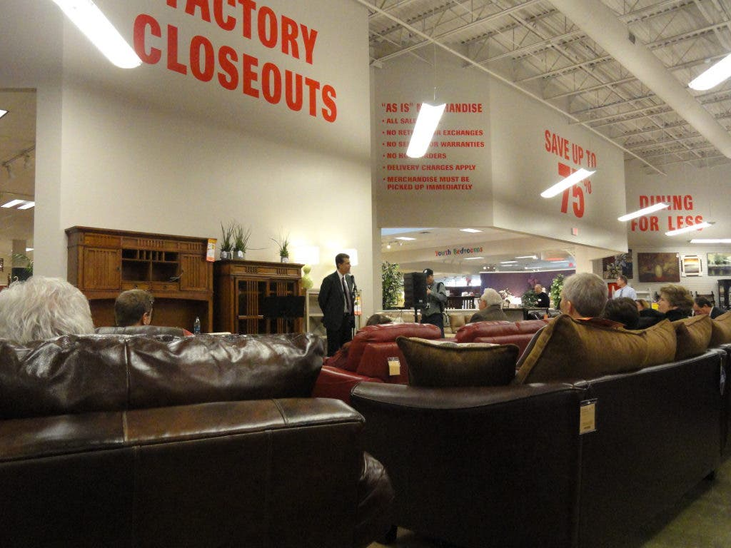Steinhafels Ceo Discusses Furniture Industry Vernon Hills Store