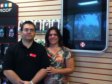 Libertyville Couple Opens Electronics Repair Business in