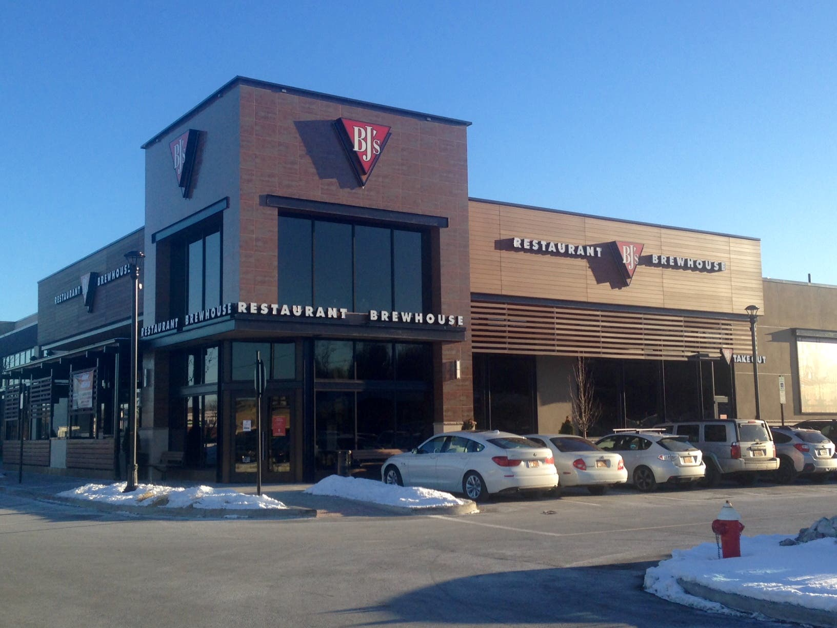 Bj S Restaurant Brewhouse Now Open At The Shops At Nanuet New