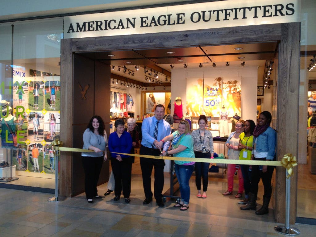 Excellent American Eagle Outfitters Opens In Plymouth Meeting Mall Download Free Architecture Designs Rallybritishbridgeorg