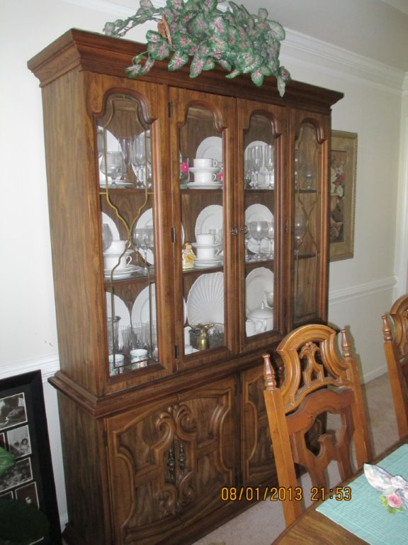 Dining Room Table W 6 Chairs Matching Buffet Amp Hutch