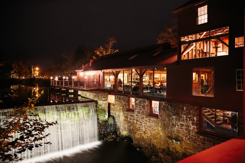 27 'Gorgeous and Delicious' Outdoor Restaurants in