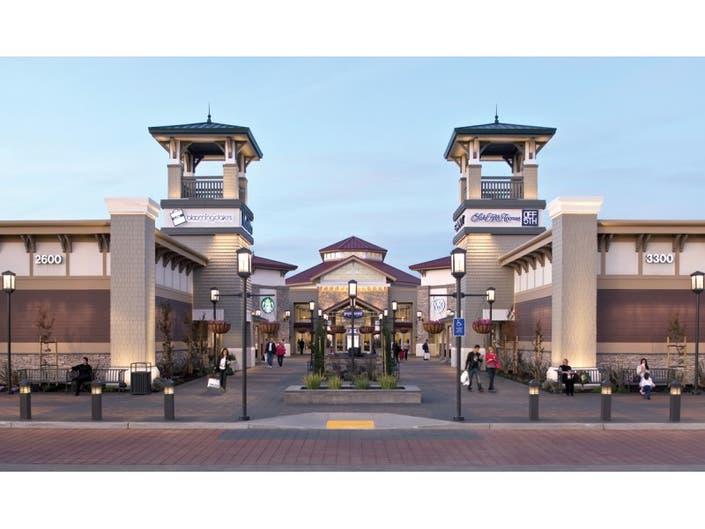 de3523ddab5c Traffic Alert  San Francisco Premium Outlets Grand Opening ...