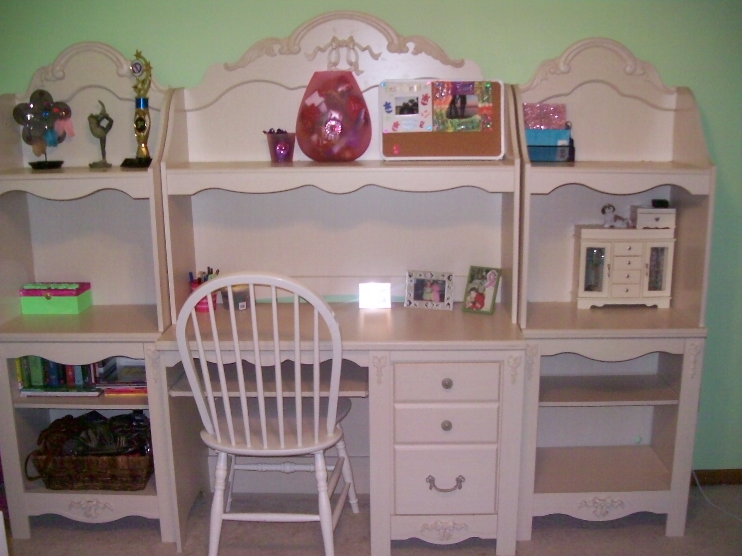 Girls Twin Bedroom Furniture Entire Bedroom Set For A Heck Of A Deal Woodbury Mn Patch