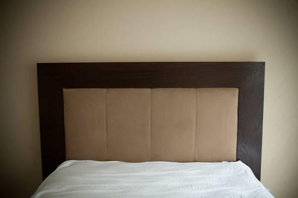 Queen Dark Wood Bed Mattress Set, Craigslist Atlanta Queen Bed Frame