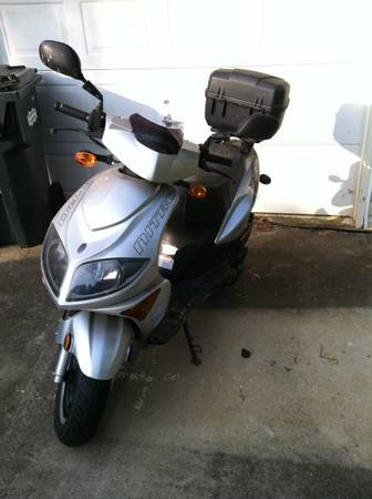 2008 Tomos Nitro 150 cc Scooter - very low miles, very fast