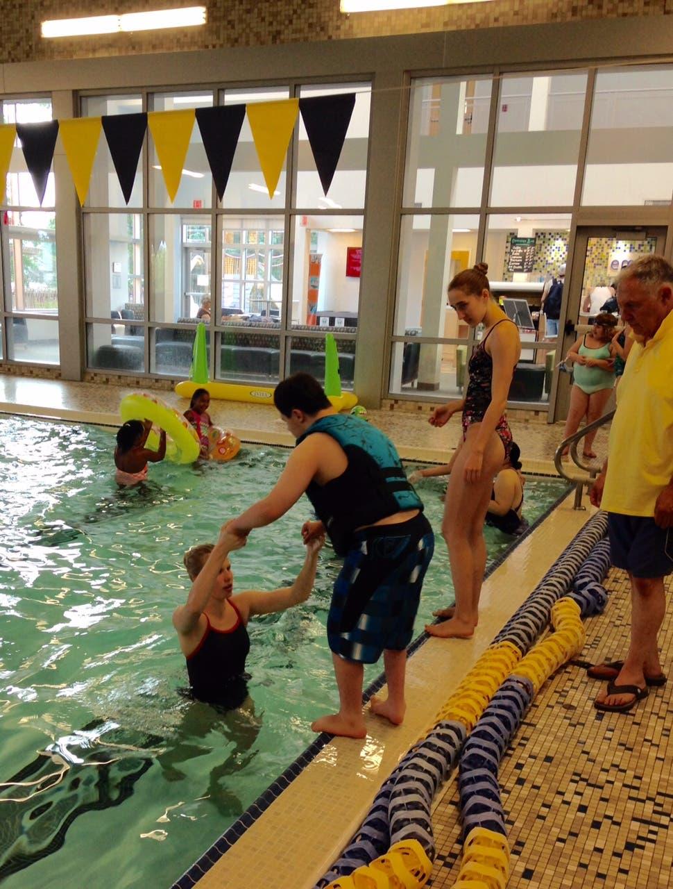 Darien Ymca Halloween Party 2020 Darien Y Piranha Seniors Host Pool Party for Teens with Special