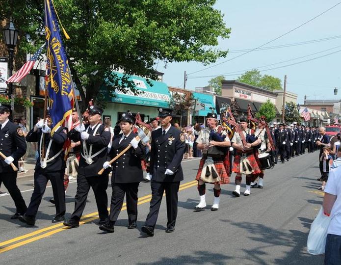 25th Annual Columbus Weekend Carnival  Street Fair  Parade