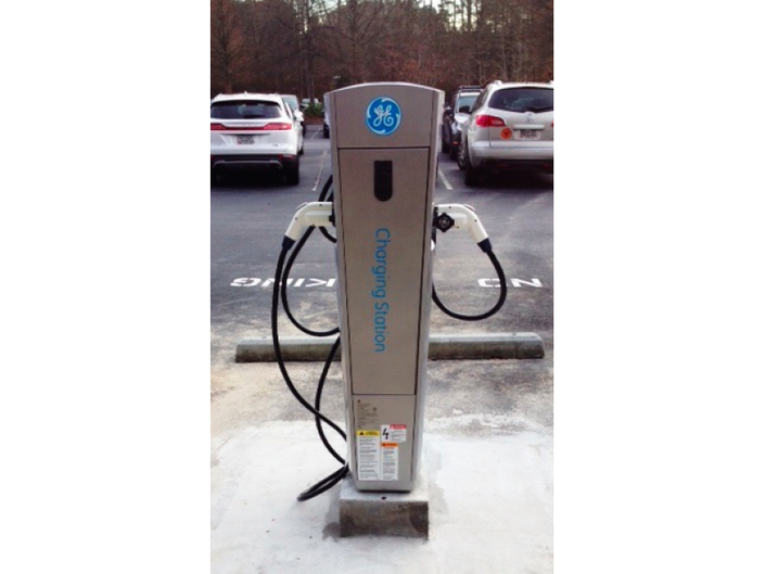 Roswell To Install Electric Vehicle Charging Stations