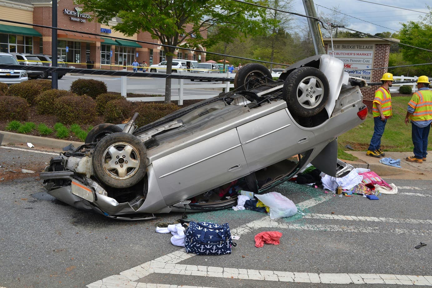 Single-Vehicle Wreck Sends Driver To Hospital | Woodstock